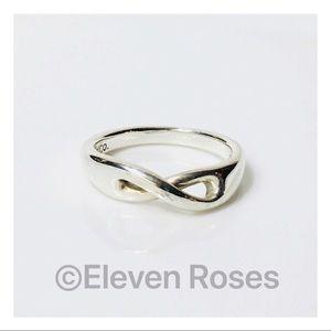 Tiffany & Co. Cutout Infinity Ring